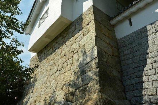 Toyota Municipal Museum of Art: 隅櫓の石垣