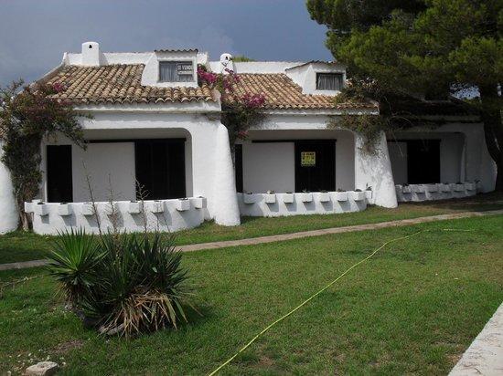 Roca Serena Apartments: The bungalows.