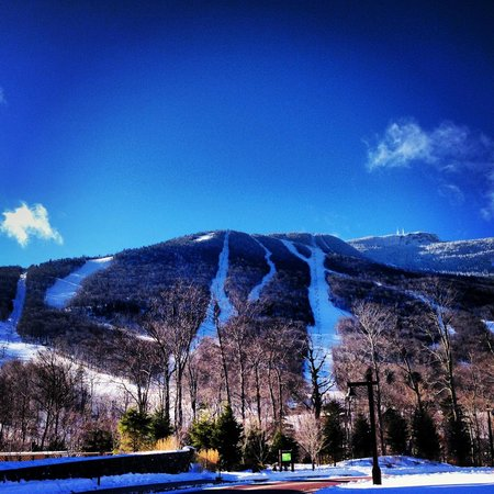 Stowe Mountain Lodge : Across the road from the hotel