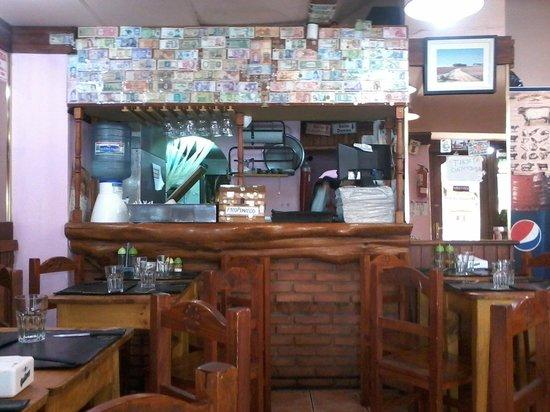 El Chiringuito: interior mostrador
