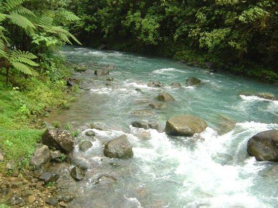 Rio Celeste: llegando a la catarata