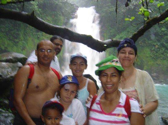 Rio Celeste: la foto que define nuestra llegada a la catarata
