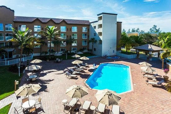 Holiday Inn Express & Suites Naples : Come see why Naples, FL is paradise!