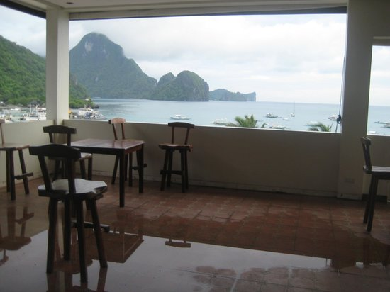 Ipil Suites El Nido: Rooftop resto they've closed to guests