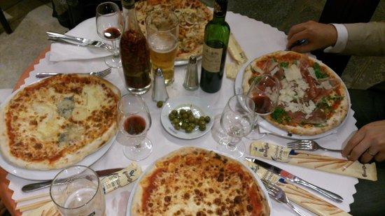 Pizza Pino : 間違いなくお腹いっぱいになります。