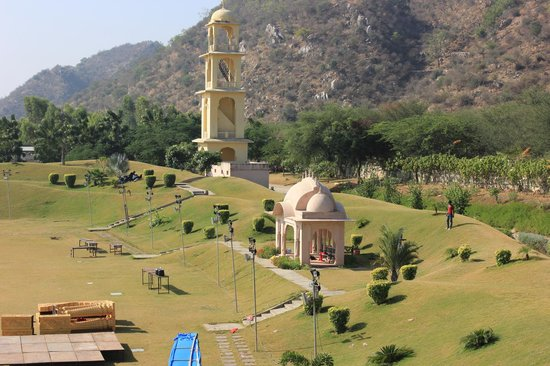 Rajasthali Resort and Spa : View of grounds from the terrace