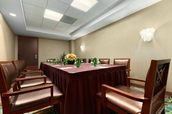 DoubleTree Suites by Hilton Orlando - Disney Springs Area : Small Meeting Room