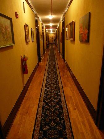 Edgewater Hotel: hall