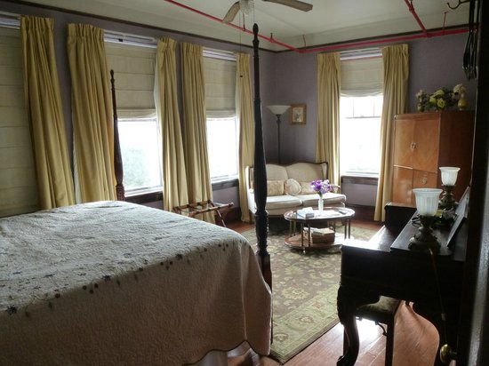 Edgewater Hotel : Another room