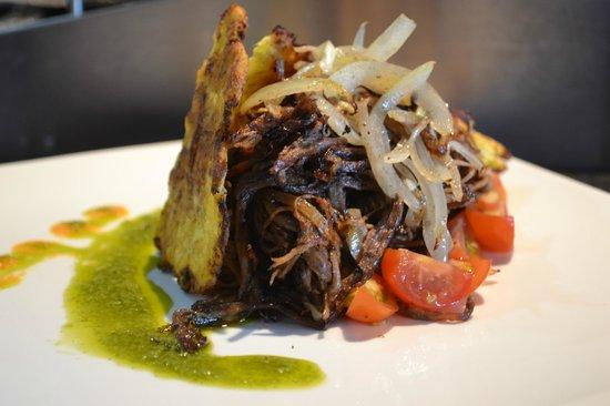 Pinchos Grill & Lounge: Vaca Frita
