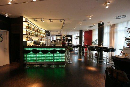 DORMERO Hotel Frankfurt: Bar
