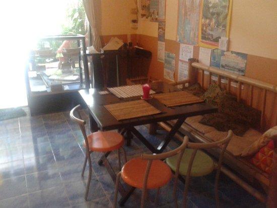 Peak Cafe: inside