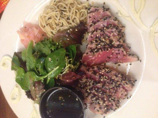 Great Outdoors Restaurant: Tuxedo tuna
