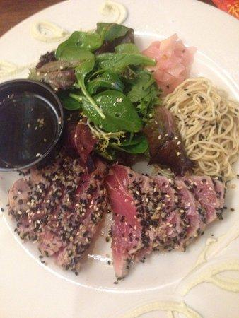 Great Outdoors Restaurant : Tuxedo tuna