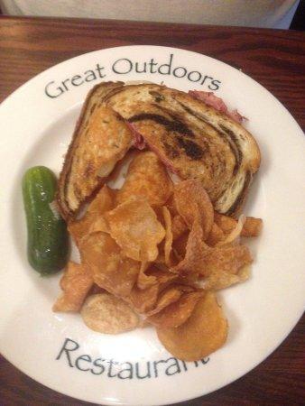 Great Outdoors Restaurant: Reuben.
