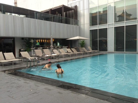 Only 3 Person In Pool Picture Of Mandarin Orchard Singapore Singapore Tripadvisor