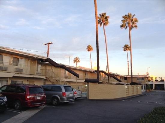 Super 8 Los Angeles-Culver City Area: vue du parking