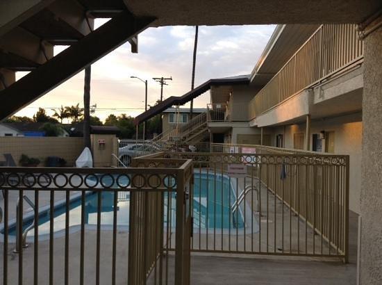 Super 8 Los Angeles-Culver City Area: piscine