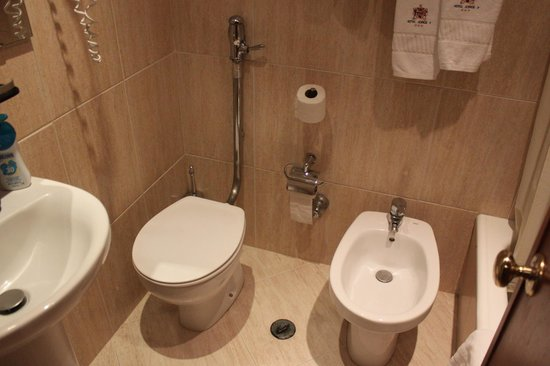 Hotel Jorge V: banheiro