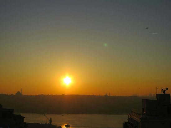 Pera Palace Hotel: Golden Horn room view