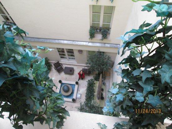 โรงแรมลักซัมเบิอร์ก พาร์ค: Courtyard