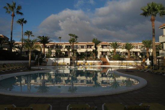 Fuentepark Apartamentos: La piscina del Fuentepark