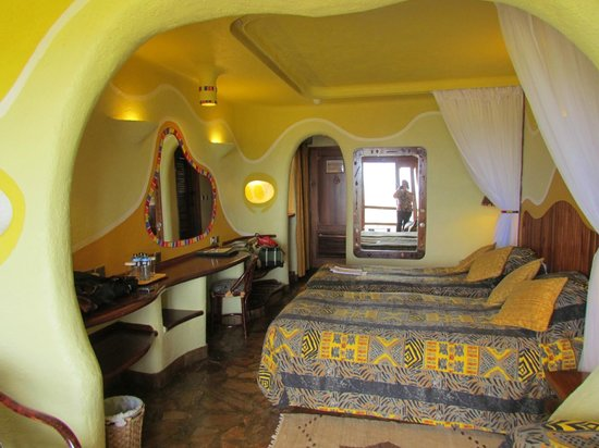 Mara Serena Safari Lodge: decoração alegre ...