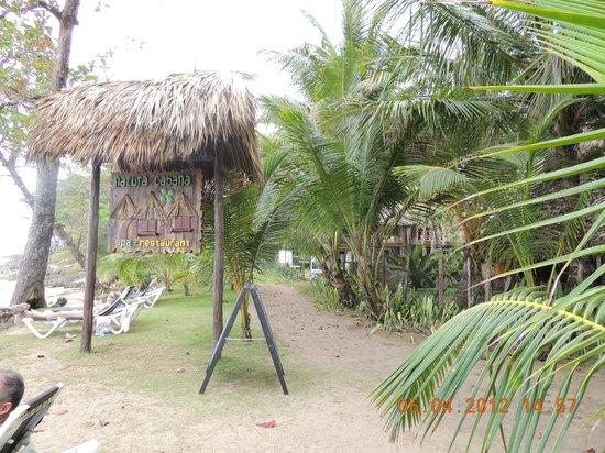 Natura Cabana Boutique Hotel & SPA : Entrada pela praia