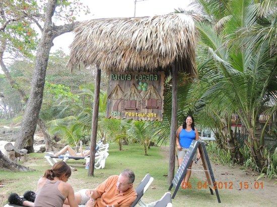 Natura Cabana Boutique Hotel & Spa: Entrada pela praia...