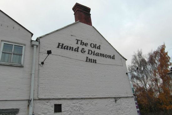 The Old Hand & Diamond: side of inn