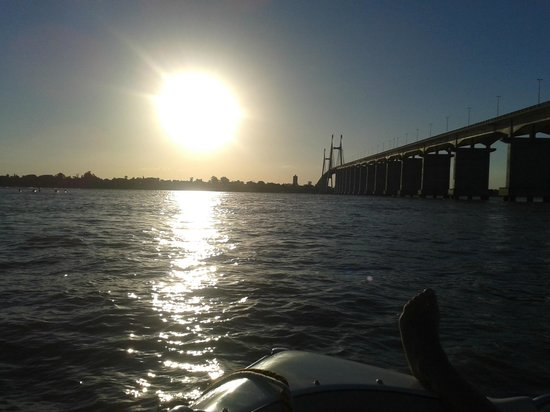 Rosario-Victoria Bridge: Puente Rosario Victoria visto desde abajo, desde el río