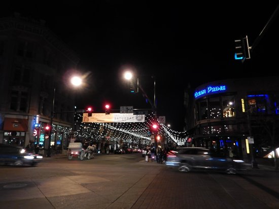 16th Street Mall: Lights over Larimer Street