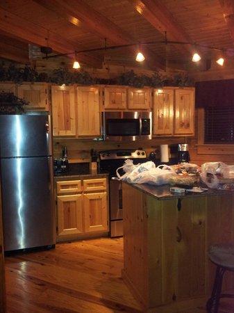 White Oak Lodge & Resort : kitchen