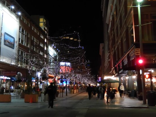 A 16th Street Mall image of lights