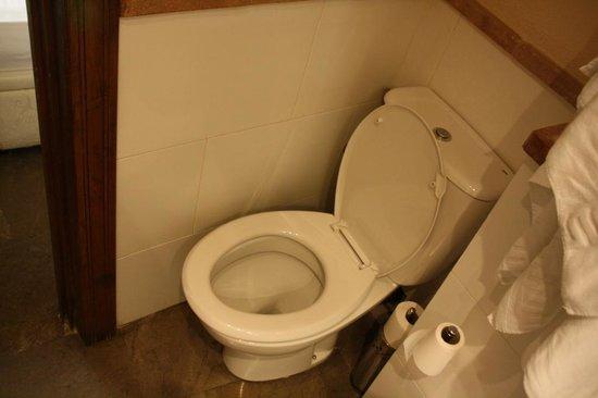 Casa de Federico: WC pas facile à pratiquer