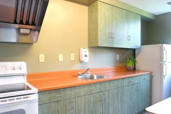 Residence & Conference Centre - Brampton: Floor Kitchens with Oven