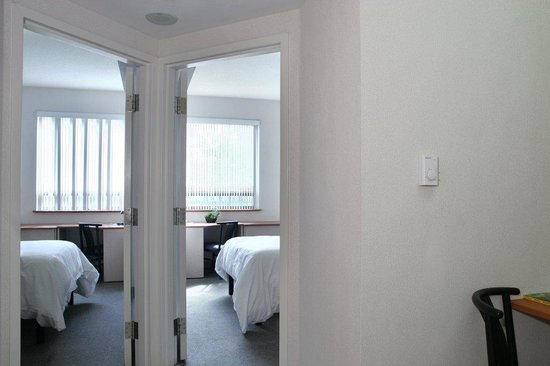 Residence and Conference Centre - Oakville: 2 bedroom suites