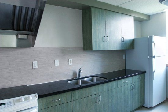 Residence and Conference Centre - Oakville: Floor Kitchens
