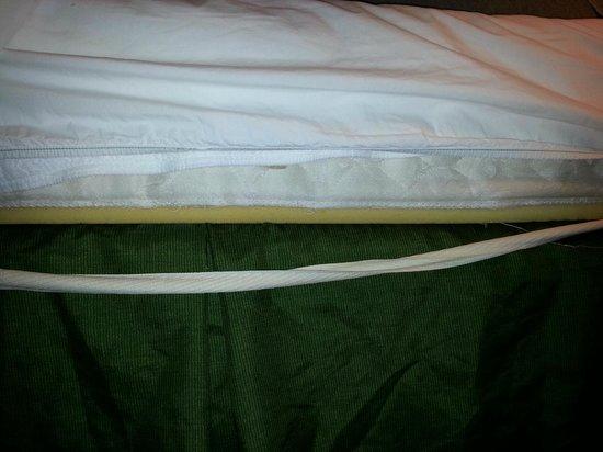 Fairfield Inn Joplin: mattress