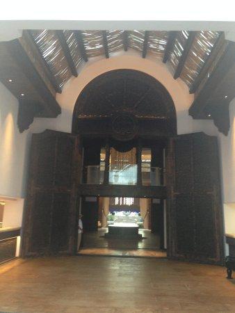 Cabo Azul Resort : new lobby entrance