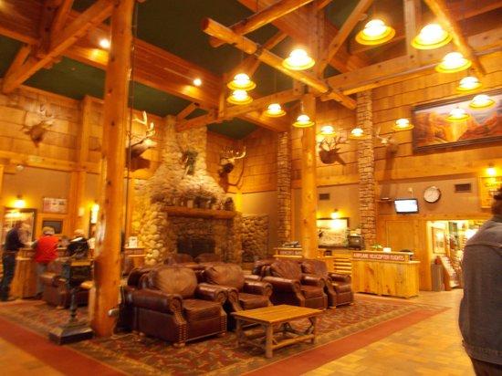 Best Western Plus Ruby's Inn : フロント・ロビー