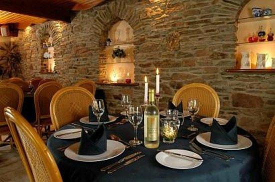 Burton Farmhouse: The dining room
