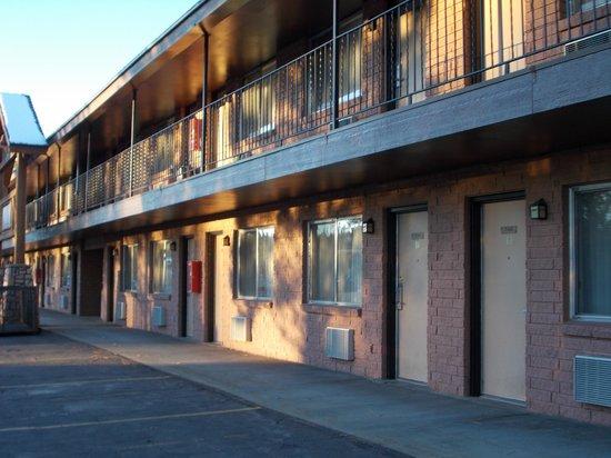 Best Western Plus Ruby's Inn : 部屋の外観