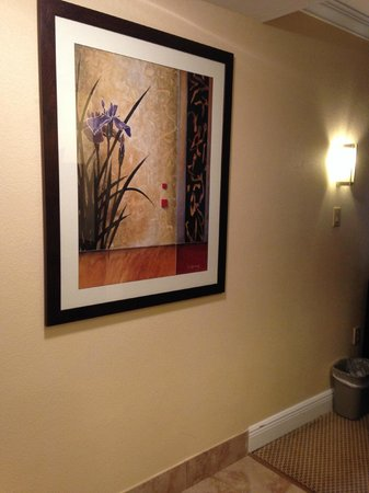 Galleria Palms Hotel: Nice room decor