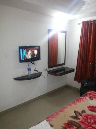 Potala Hotel: bed linen