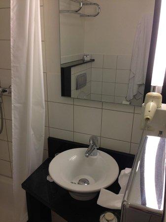 BEST WESTERN Hotel Nürnberg City West: Bathroom