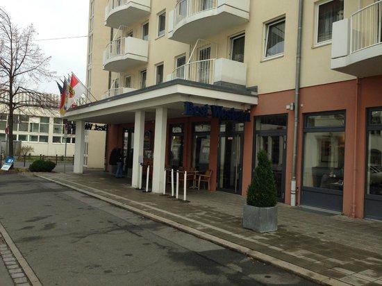 BEST WESTERN Hotel Nürnberg City West: Entrance