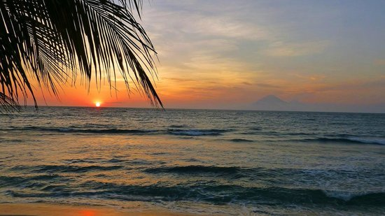 Qunci Villas Hotel: Sonnenuntergang in Lombok an den Qunci Villas