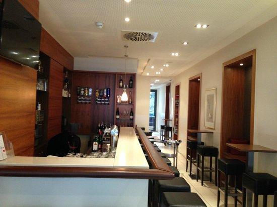 Best Western Hotel Nuernberg City West: Bar
