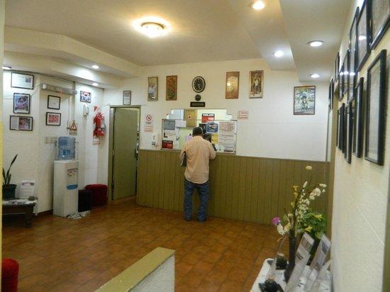 Hotel Plaza Congreso: Recepcion